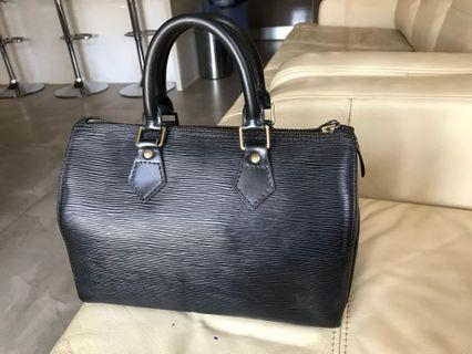 Authentic Louis Vuitton epi leather speedy 30