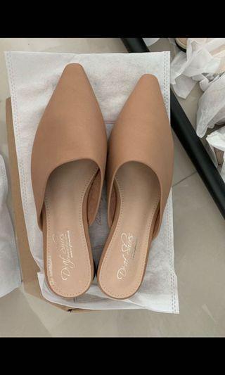 穆勒鞋24.5號