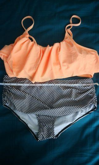 ~Free postage~Fashionable 2 pcs swim wear Bikini
