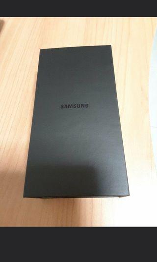 S8 box