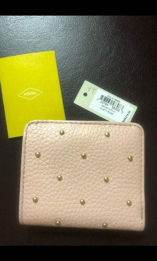 """Authentic Fossil Madison Bi Fold . (Small wallet ) Dusty rose 5.6""""L x 0.8""""W x 3.7""""H Used only once excellent condition like new ."""