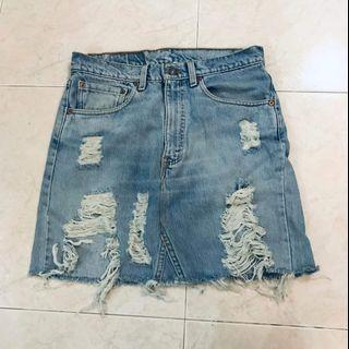 Levis Ripped Denim Skirt size 31