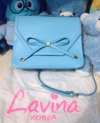 Lavina slingbags