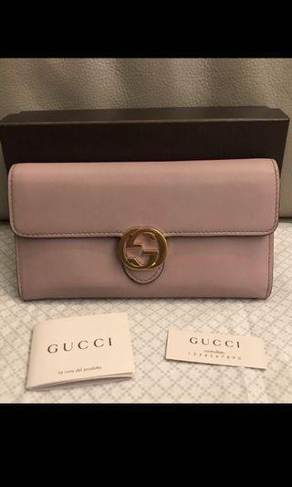 夏季出清!Gucci 藕粉色皮夾 長夾