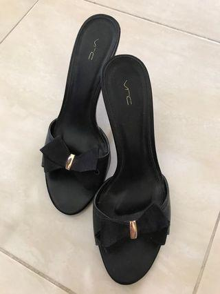 VNC Black Ribbon Shoes