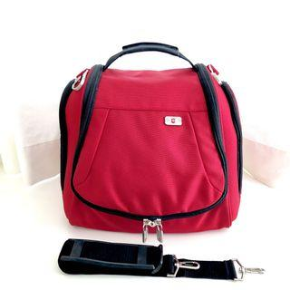 Victorinox Travel Shoulder Luggage Hook Over Bag, Large Toiletry Bag, Overnight Carry On, Camera Gadgets Bag