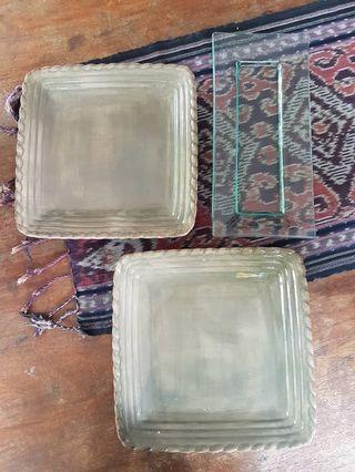 Serving plates x 3