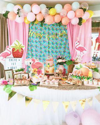Flamingo tropical dessert table styling