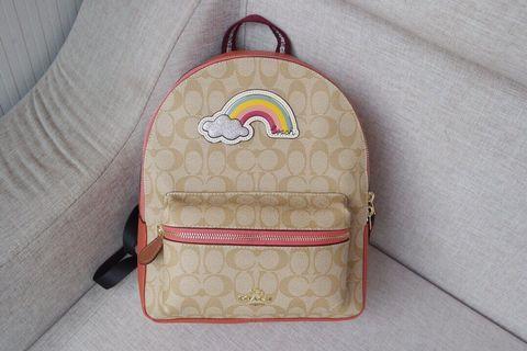COACH 72846 新款女士彩虹後背包 中號 清新潮流 透氣棉背部設計 織布襯裡 附購證