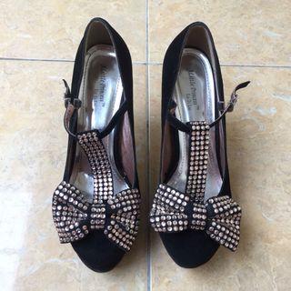 *PRELOVED* Black Platform Shoes