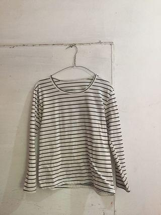 Black stripes top