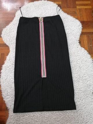 Stripes Skirt with long zipped
