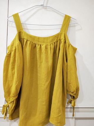 🚚 黃色性感上衣