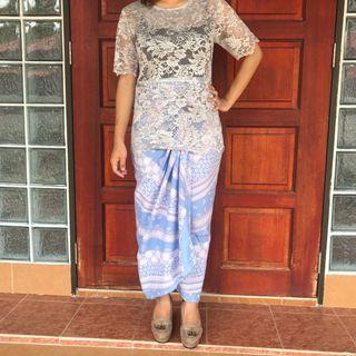Lace Top with Pario Batik
