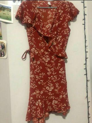🚚 Red wrap dress with white flowers