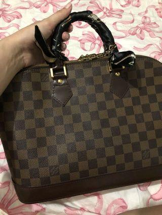 Authentic Louis Vuitton Alma MM Damier Ebene