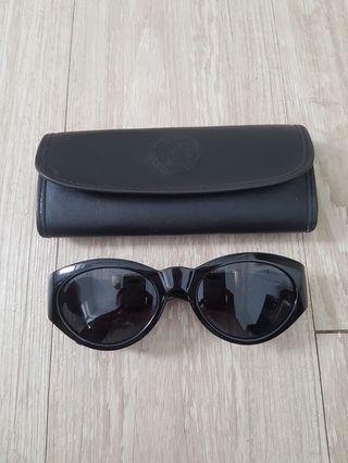 🚚 Versace vintage梅度莎太陽眼鏡 義大利製 這原價一萬多起跳  售2800 不二價