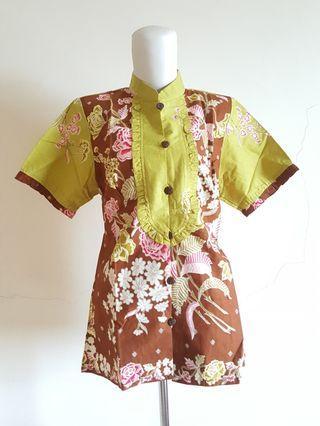 Batik top (NEW WITH TAG) #LalamoveCarousell