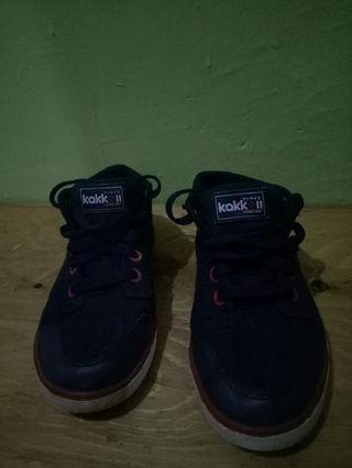 Sepatu anak precise
