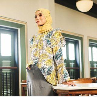 MISSLILYSHOP FLORAL TOP