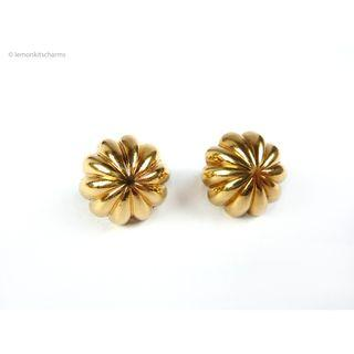 Vintage Avon Scalloped Earrings, er1831-c
