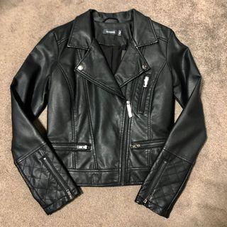 BRAND NEW Glassons leather jacket
