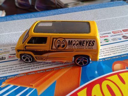 CPL - custom 77 dodge van loose yellow