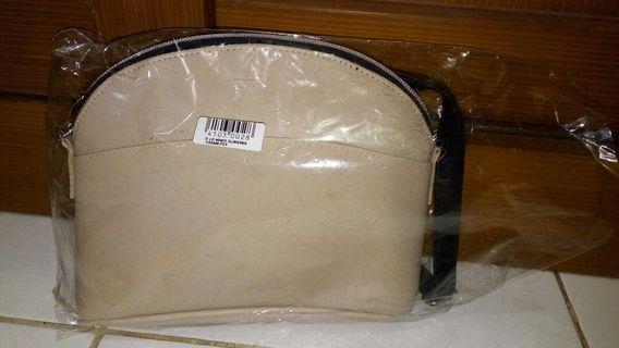 #LalamoveCarousell sling bag hadiah DANDAN