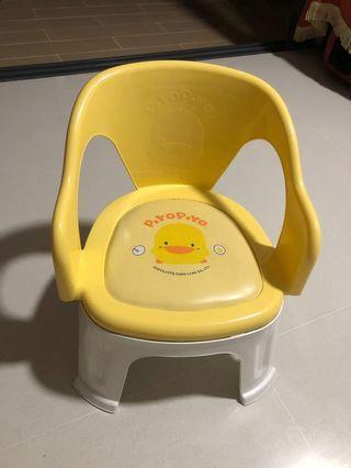 🚚 Preloved Piyopiyo squeaky chair// made in Taiwan//