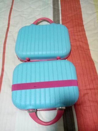 Mini kids luggage / makeup bag