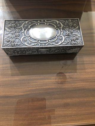 🚚 銀手飾盒