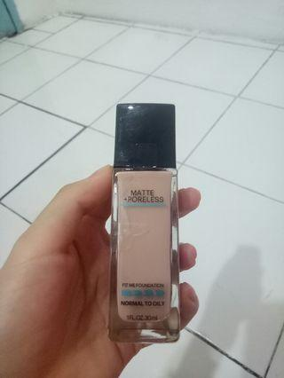 Maybelline Fit Me Foundation (130) buff beige