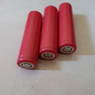 3x 18650 rechargeable batteries