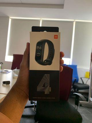 [SEALED] Xiaomi MiBand 4 free RED Strap