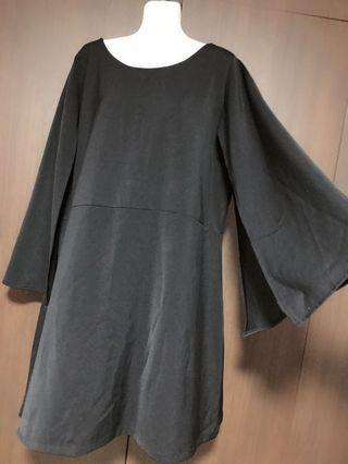 BN Plus Size Cape Sleeves Black Dress