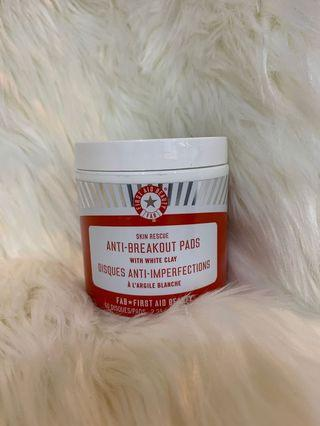 First Aid Beauty Anti Breakout Pads