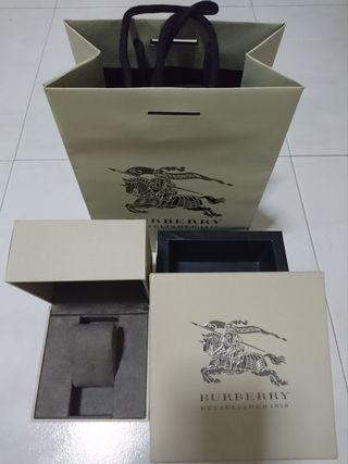 🚚 Burberry Watch box with Paper Bag (complete set - without watch)
