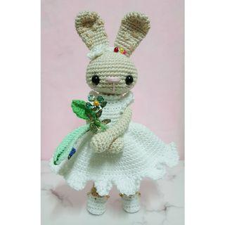 Amigurumi Bunny in White Dress