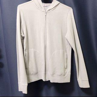 米白色薄外套🧥