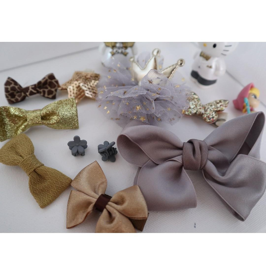 Brand New girls hair accessories in 10 pieces (grey color)