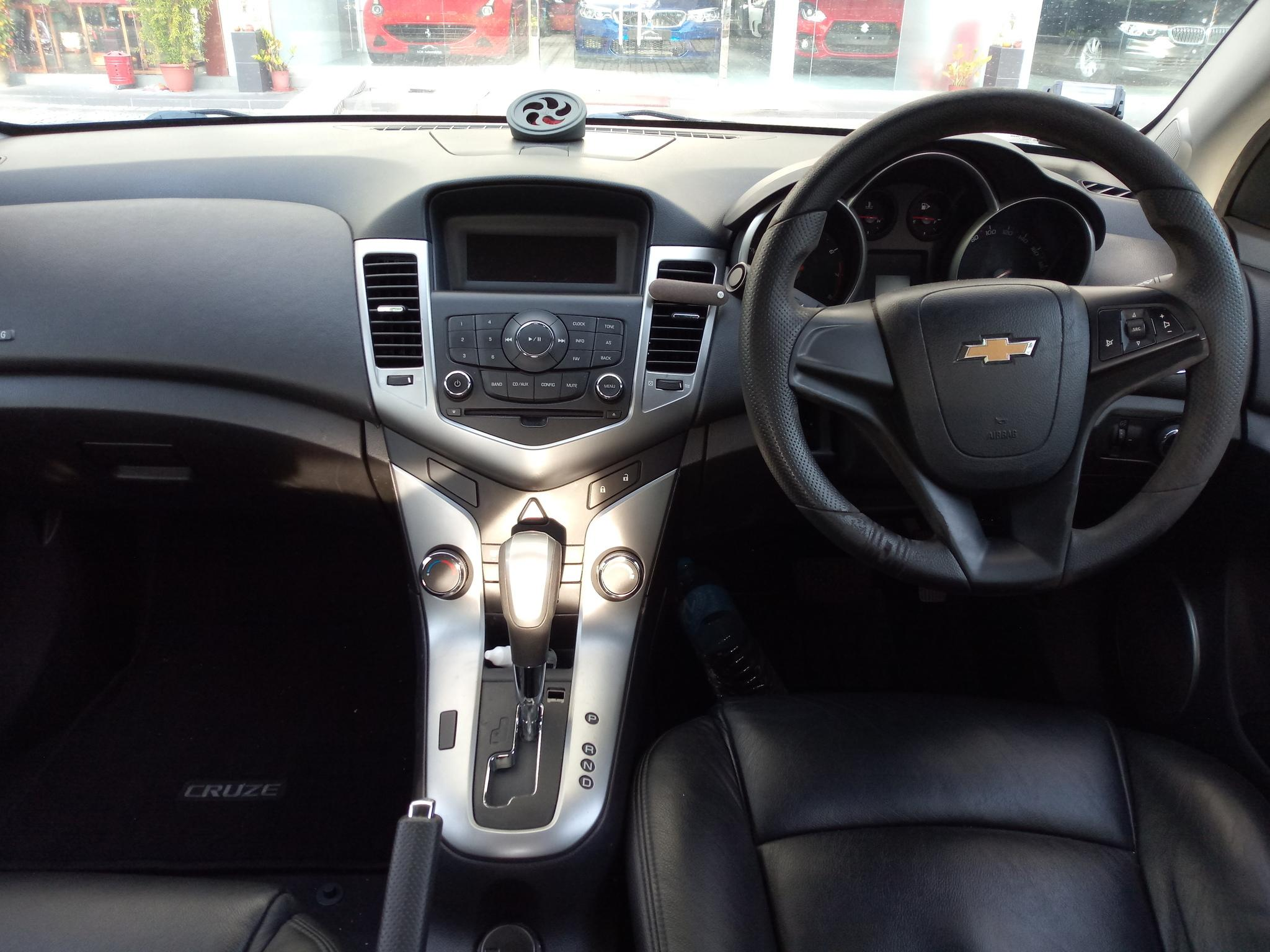 Chevrolet CRUZE 1.6A Short Term or Long Term Rental Car Service