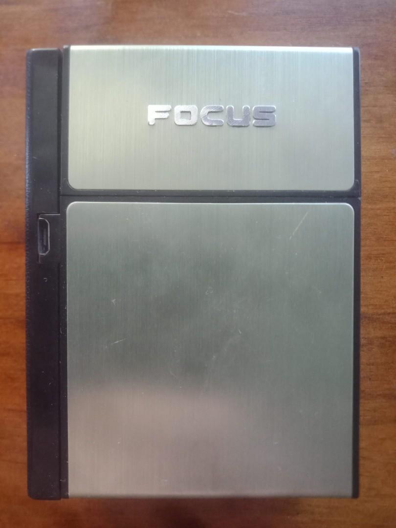 Electronic cigarette lighter rechargable / 20 cigarettes case box