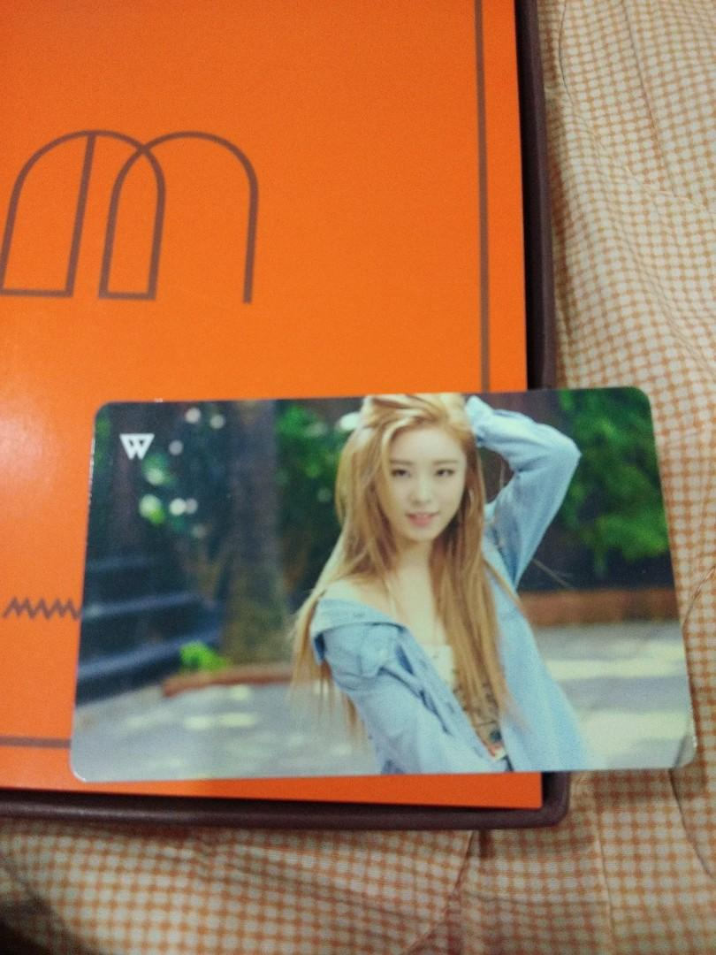 MAMAMOO melting - First full length album (Unsealed album with Wheein photocard)