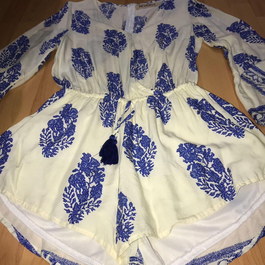Reverse off white and blue flowy playsuit - AU10/12/M