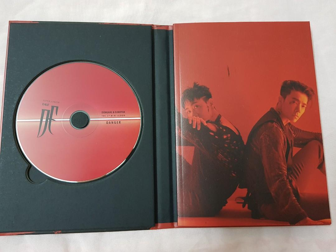 Super Junior D&E the 3th mini album -DANGER Red.ver (without photocard and standing)