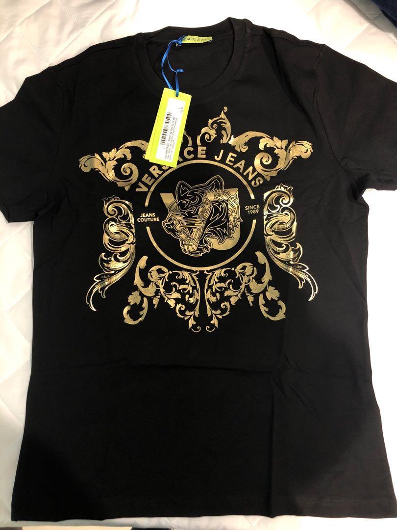 (僅試穿)(含運)凡賽斯黑色燙金T恤M號。價錢可談