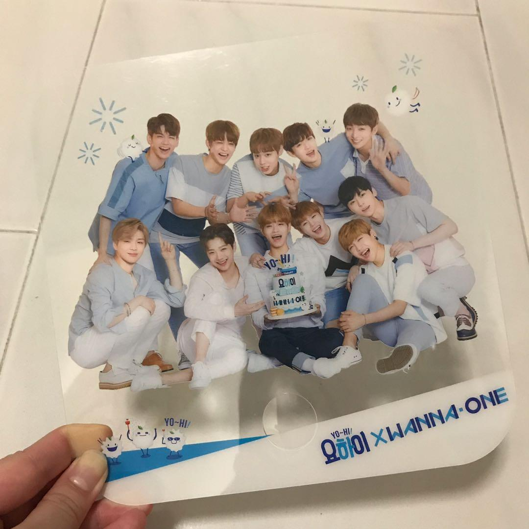 Wanna One YoHi Transparent Fan