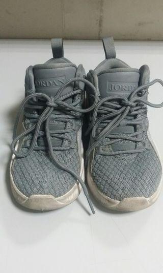 JORDAN 童鞋