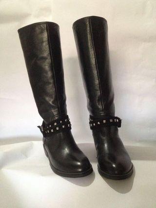 Black Boots (masih baru tidak pernah di pakai )