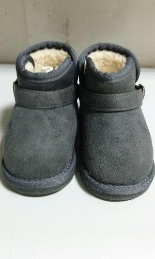 Babyzzam童鞋